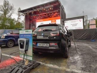 Happy Hour für E-Autos im Wäller Autokino in Altenkirchen