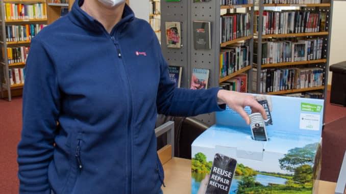 tadtbücherei sammelt Althandys für die Aktion HandysfuerdieUmwelt.de
