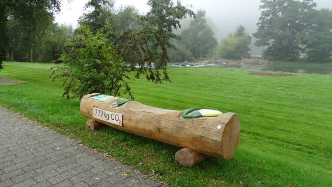 Klimabänke vom Naturpark überwintern in Waldbreitbach