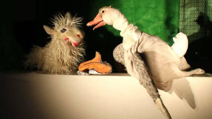 Puppentheater Petra Schuff: Vom kleinen Maulwurf, der wissen wollte, wer ihm auf den Kopf gemacht hat